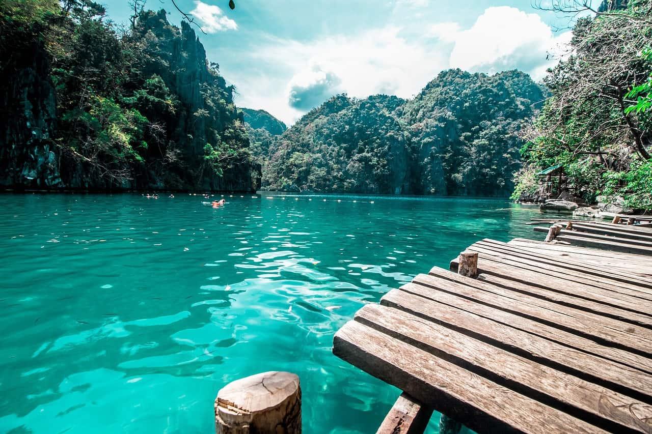 אגם בפיליפינים