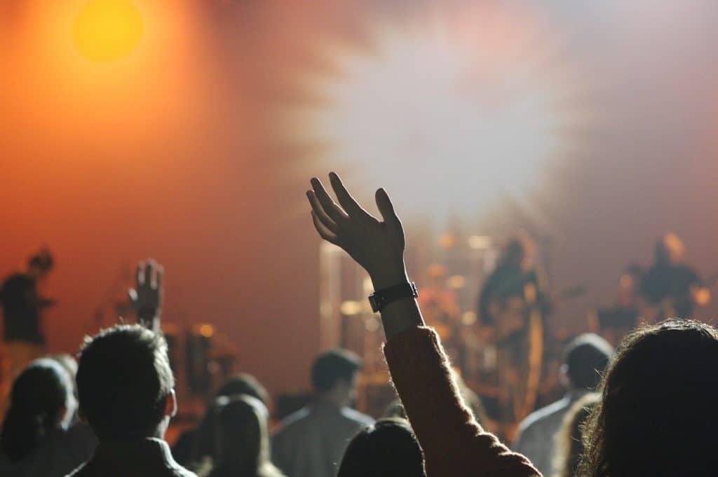 ידיים באוויר - מופע שבת בערה